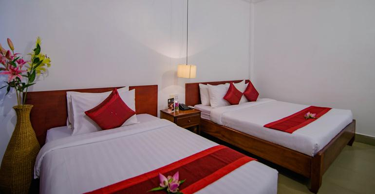 mekong-angkor-palace-special-offer-deluxe-twin-room.jpg